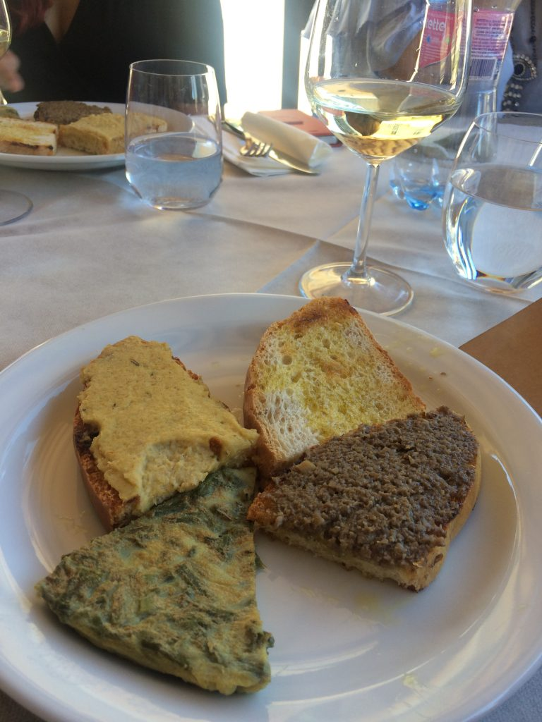 Lunch-montioni-your-italian-travel-guide