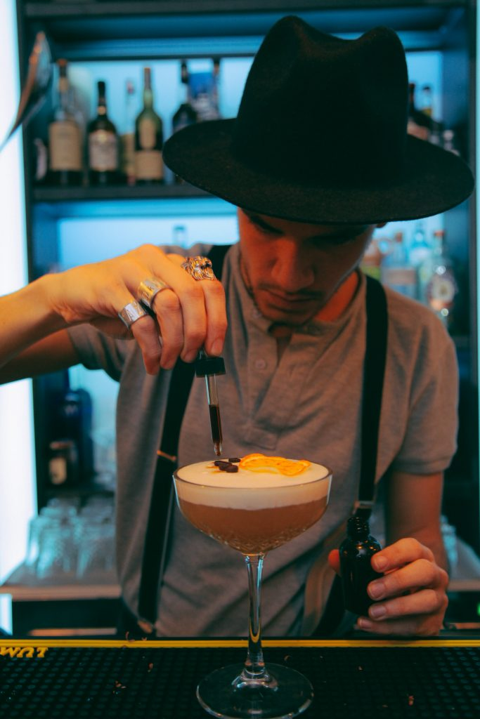 peaky-blinders-bar-rome-cocktail-your-italian-travel-guide