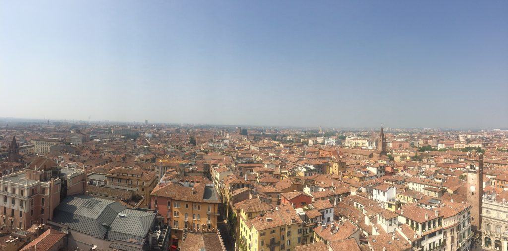 uitzicht-torre-dei-lamberti-verona-your-italian-travel-guide